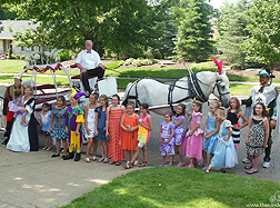 Carriage Limousine Service - Horse Drawn Carriages: Our Cinderella carriage at a birthday party in Salem OH