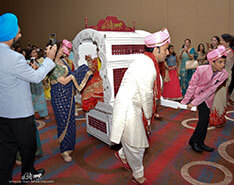 Carriage Limousine Service - Horse Drawn Carriages: Indian Wedding Doli services